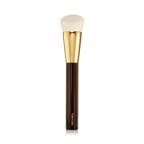 Shade and Illuminate Foundation Brush 2.5